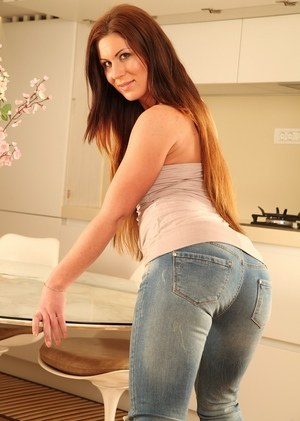 Clothed Sexy Ass Pics and Nice Tight Asses Porn